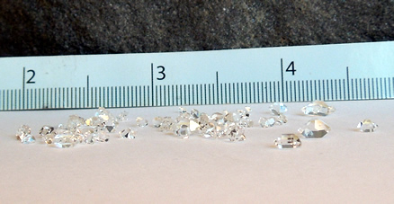 Lot of tiny double terminated quartz crystals.