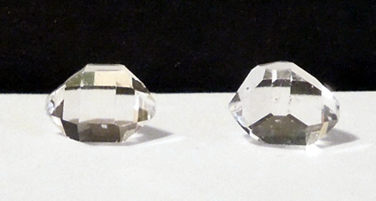 Crystals measure 8x6 mm.