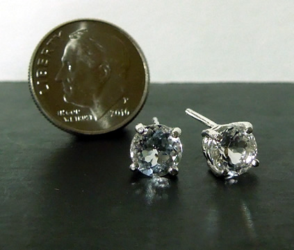 Image shows how sparkly the gems are.