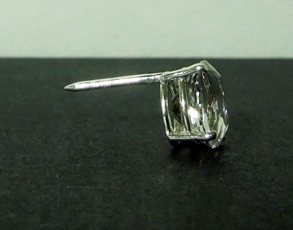 Side view of 3 ct. diamond tie tack.