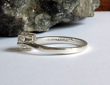 Side view of diamond ring.