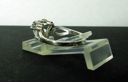Side view of vee shank size 7 triangle ring.