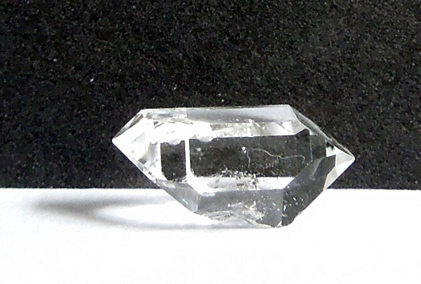 Side view of double terminated crystal