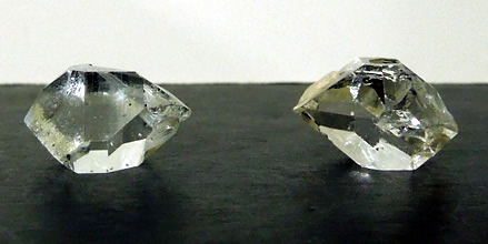 Picture of 17 mm quartz crystals.