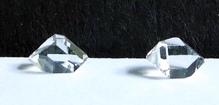 Matching set of accent crystals.